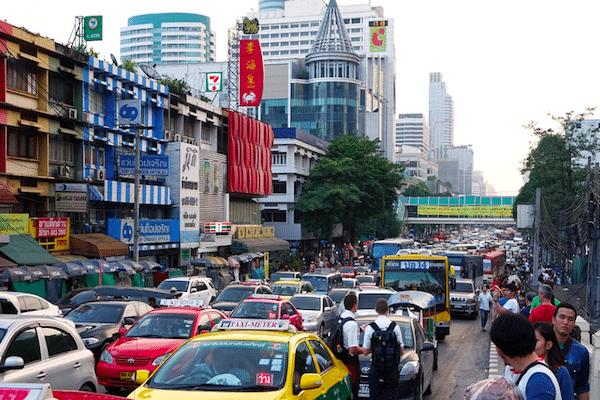 תמונה של רחוב סואן בבנגקוק