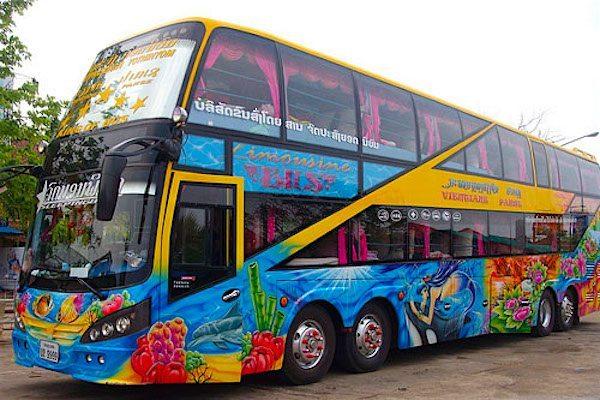 תמונת אוטובוסים בתאילנד
