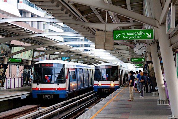 תמונת רכבות בתאילנד