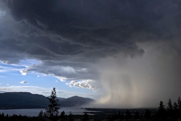 תמונה של גשם בחוף מתוך דף מזג אויר בתאילנד