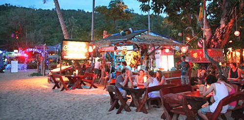 תמונת מסעדה טיפוסית בקופיפי על החוף