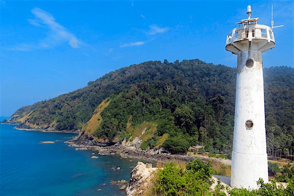תמונת המגדלור על רקע האי קו לנטה