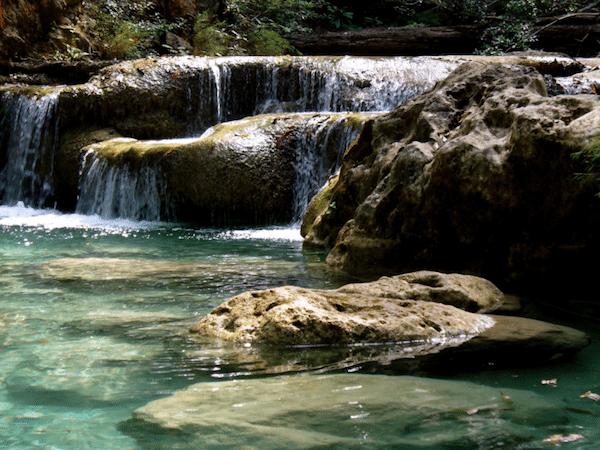 תמונה של קנצ'נבורי מפלי מים