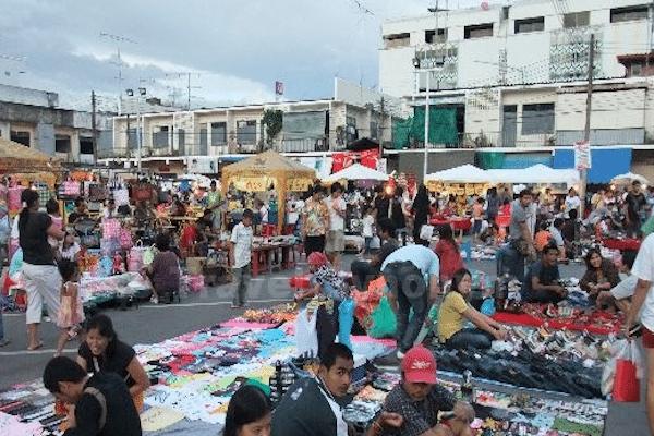 תמונת שוק מקומי בקראבי